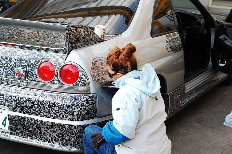artist-uses-sharpie-to-give-nissan-skyline-gtr-one-of-a-kind-paint-job-1