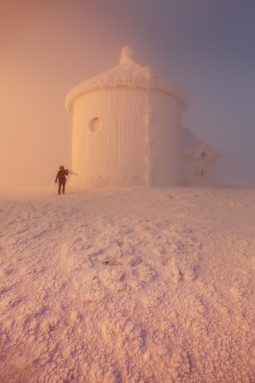 Karol-Nienartowicz-The-Polish-Adventurous-Mountain-Photographer61__880