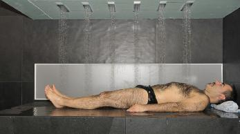 The-horizontal-shower