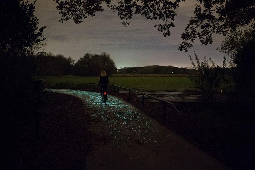 osvetleny-cyklisticky-chodnik (4)