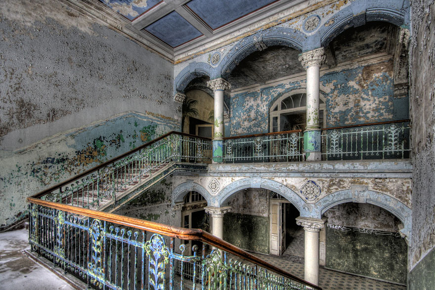 abandoned-places-26