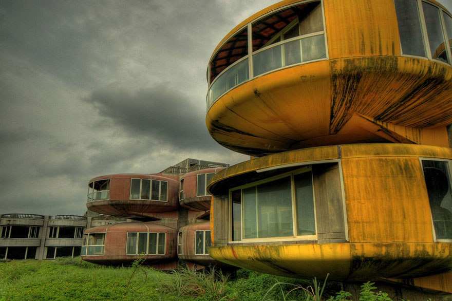 abandoned-places-30
