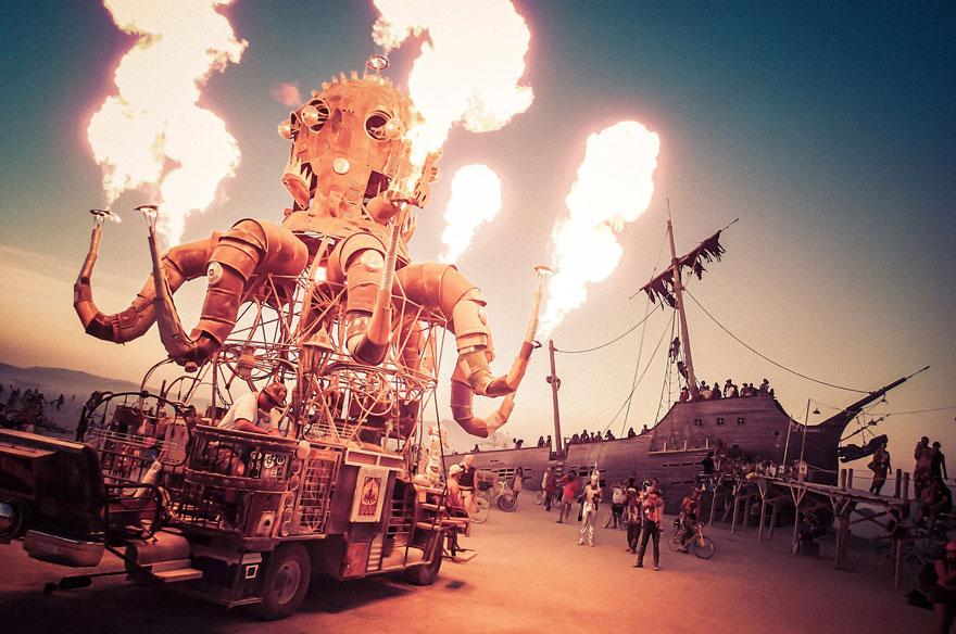 unique-festivals-around-the-world-burning-man-nevada-trey-ratcliff-21