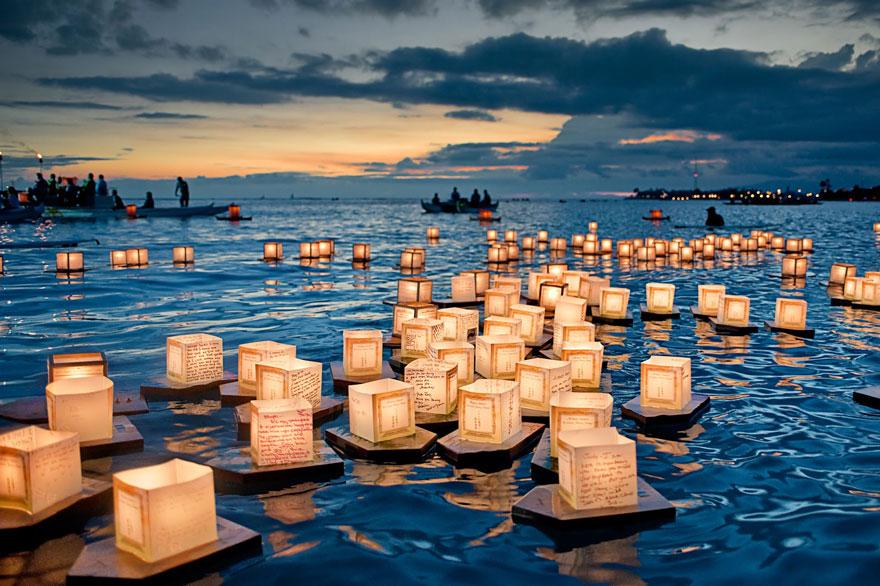 unique-festivals-around-the-world-floating-lanterns-festival-2