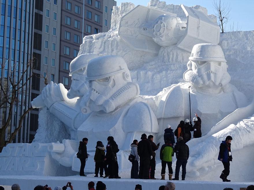 unique-festivals-around-the-world-sopporo-snow-festival-star-wars-snehove-sochy-2