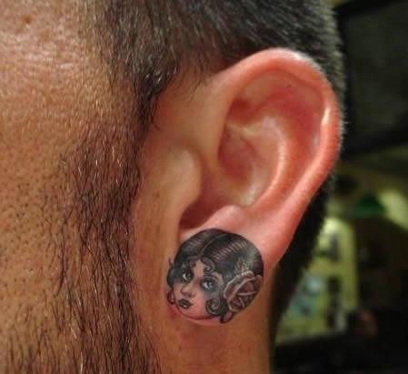 tetovania v uchu (5)