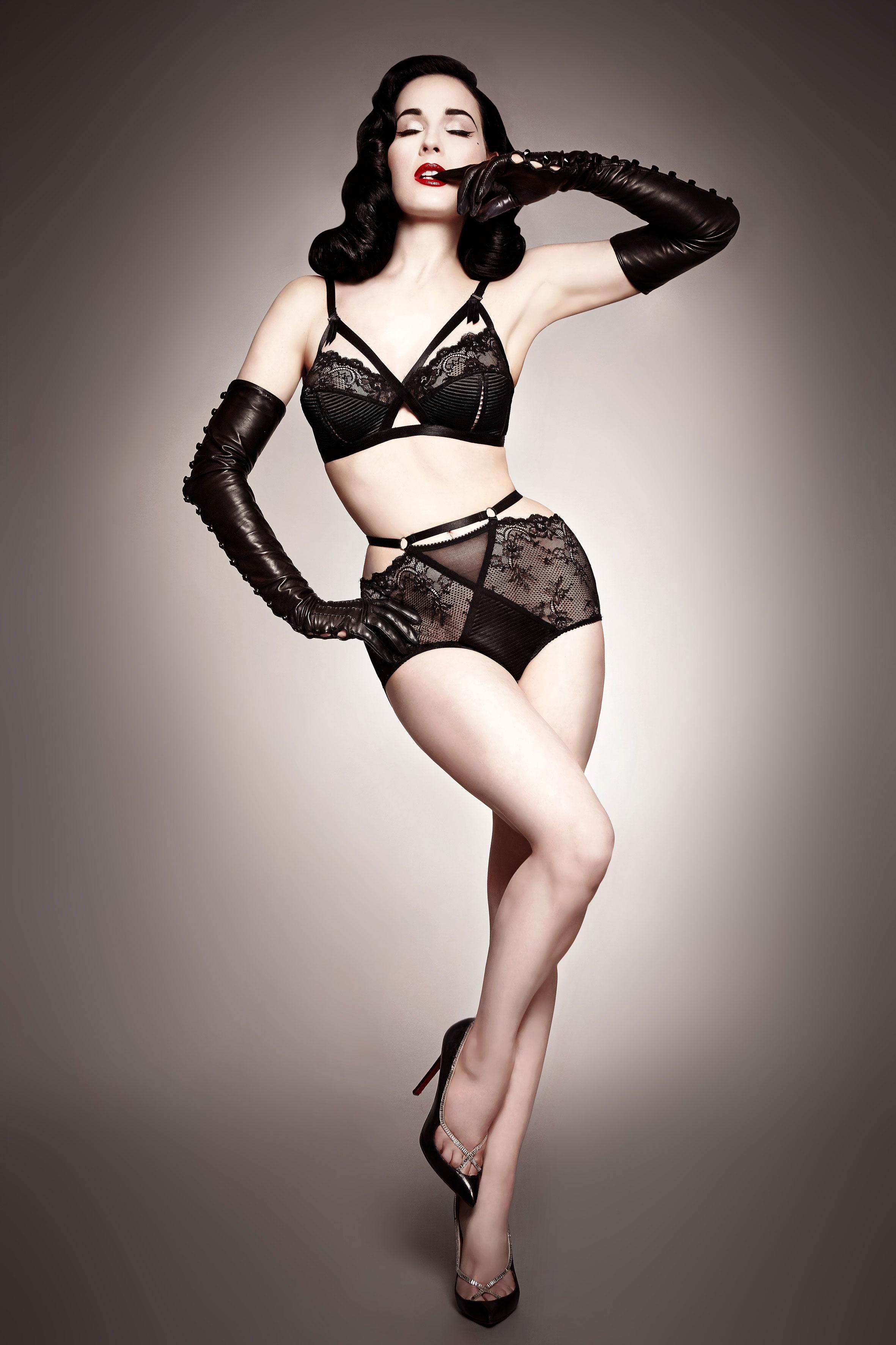 276776_Dita_Von_Teese_lingerie_madam_x_lookbook