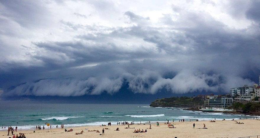 oblačná tsunami (3)