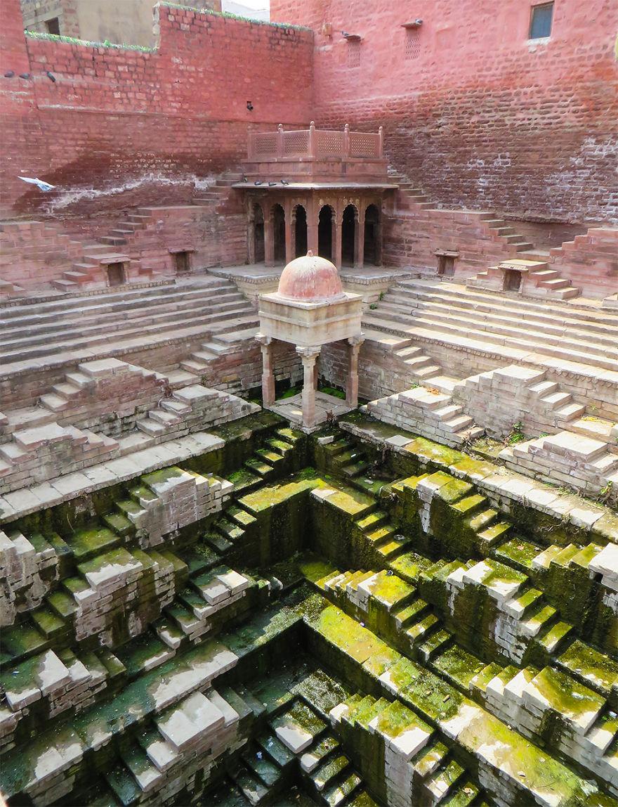 schody v indii (1)