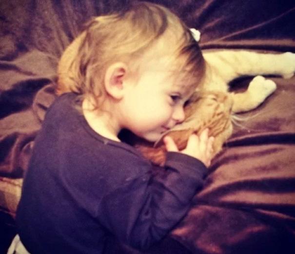 mačka a chlapec (6)