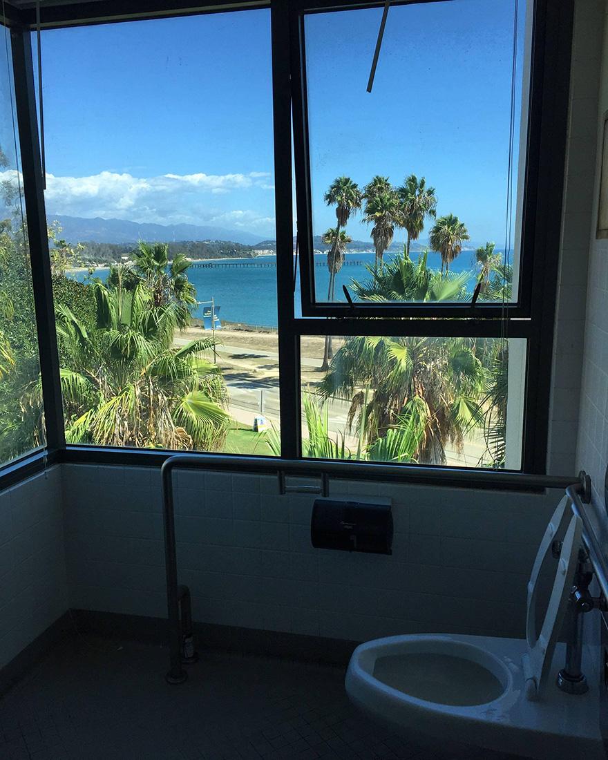 záchody s krásnym výhľadom (3)