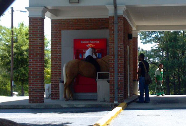 vyber z bankomatu (1)