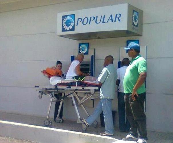 výber z bankomatu (2)