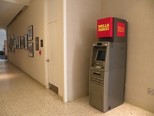 vyber z bankomatu (7)
