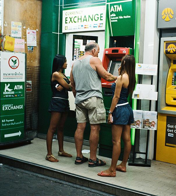 vyber z bankomatu (9)