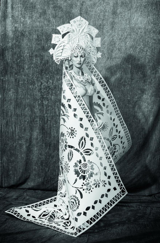 extravagantné svadobné šaty (2)