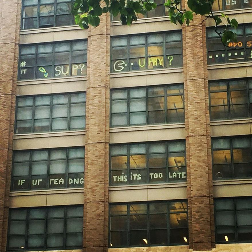 vojna papierikov na oknach (2)