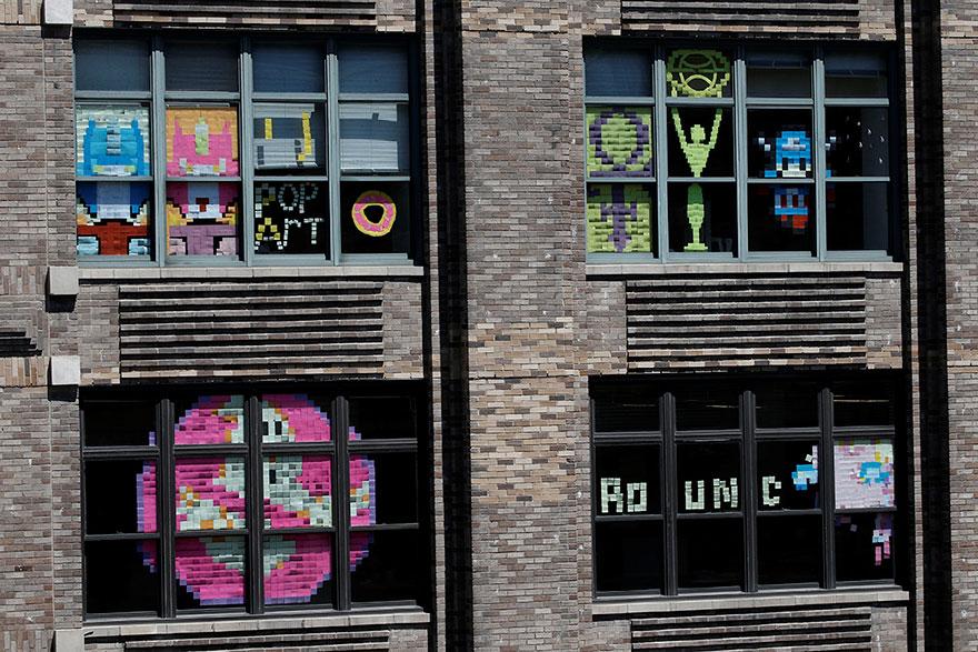 vojna papierikov na oknach (4)