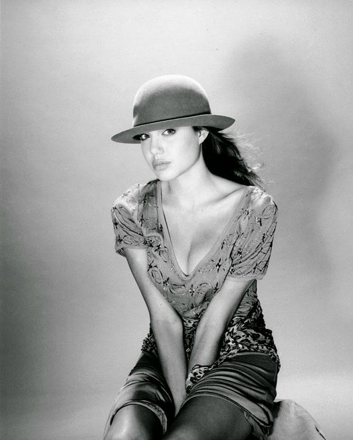 Angelina Jolie (14)