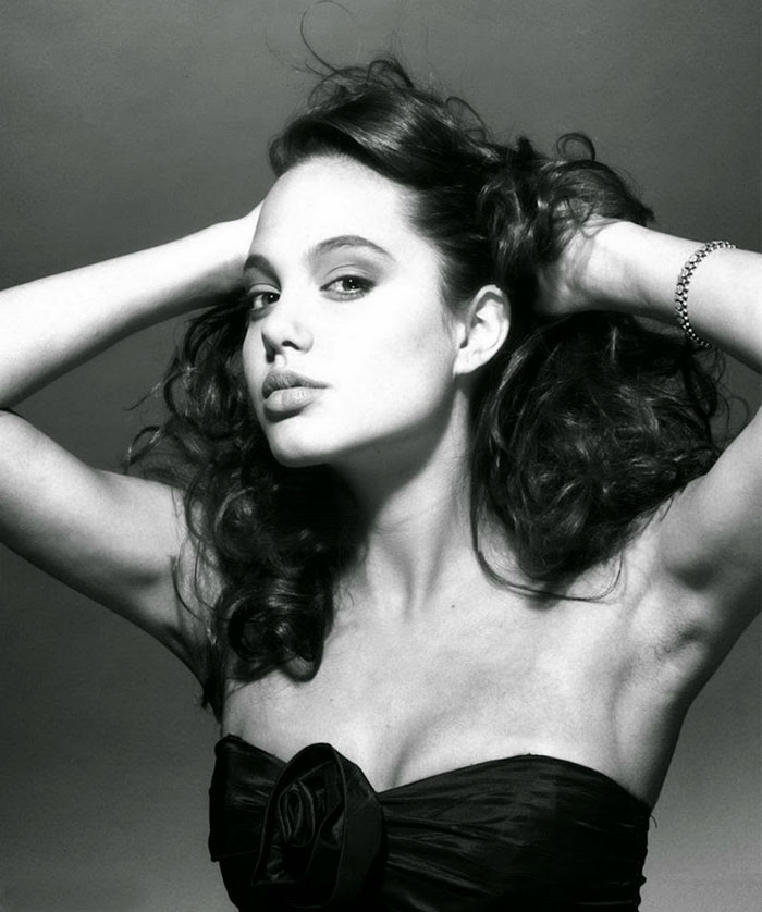 Angelina Jolie (18)