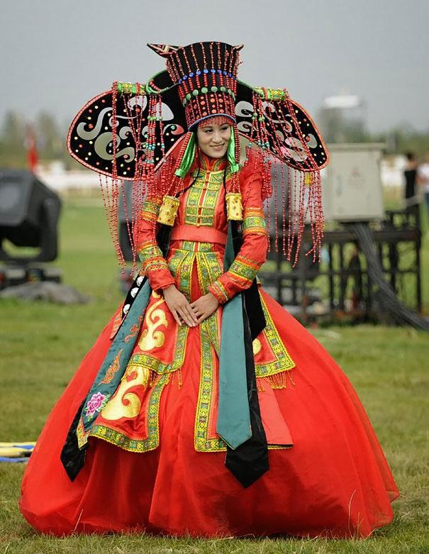 tradičné svadobné oblečenie (14)
