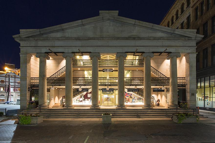 americke obchodne centrum (1)