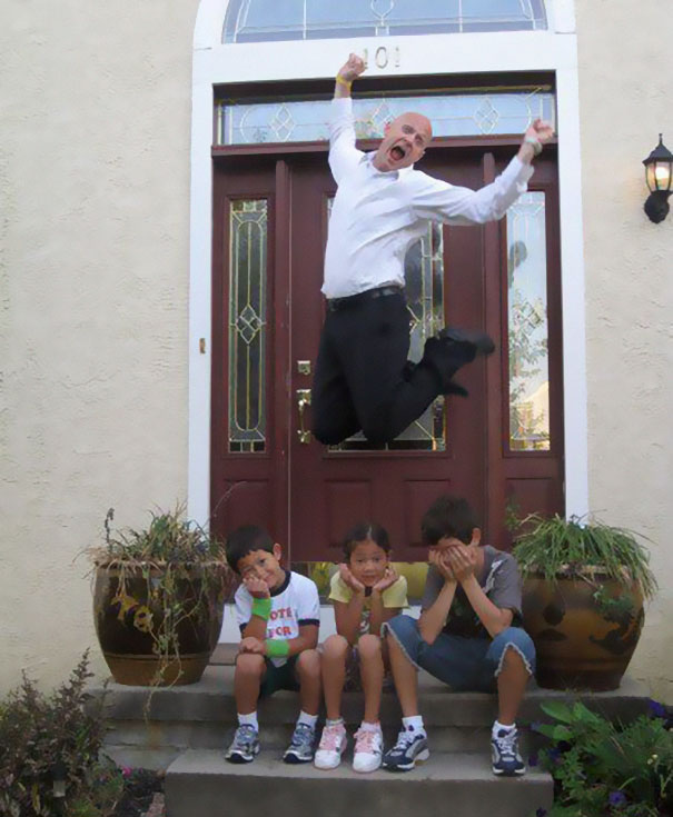 rodicia posielaju deti do skoly (7)