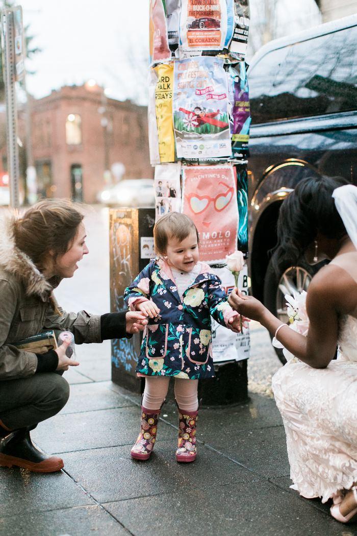 malé dievča a nevesta (2)