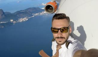 Veľmi nebezpečné selfie pilota, myslíte si, že sú pravé?