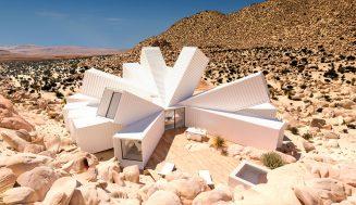 Neuveriteľný dom z prepravných kontajnerov – interiér rovnako šialený ako exteriér