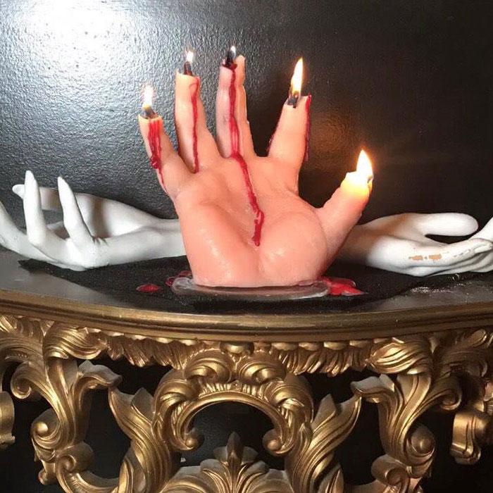 sviečka ruka