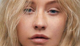Christina Aguilera bez mejkapu po 20tich rokoch vás prekvapí
