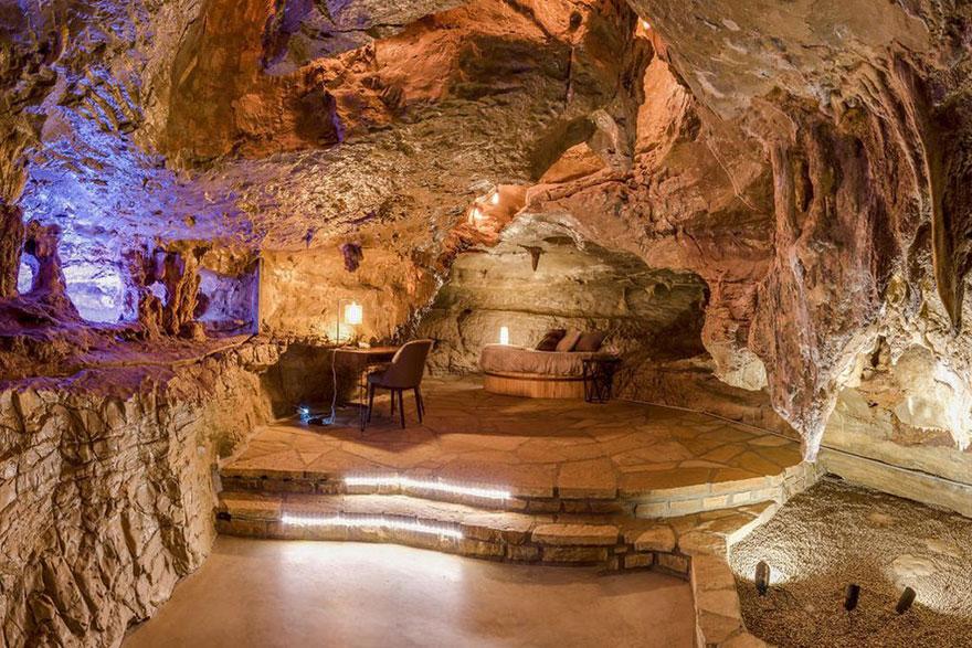 bývanie v jaskyni