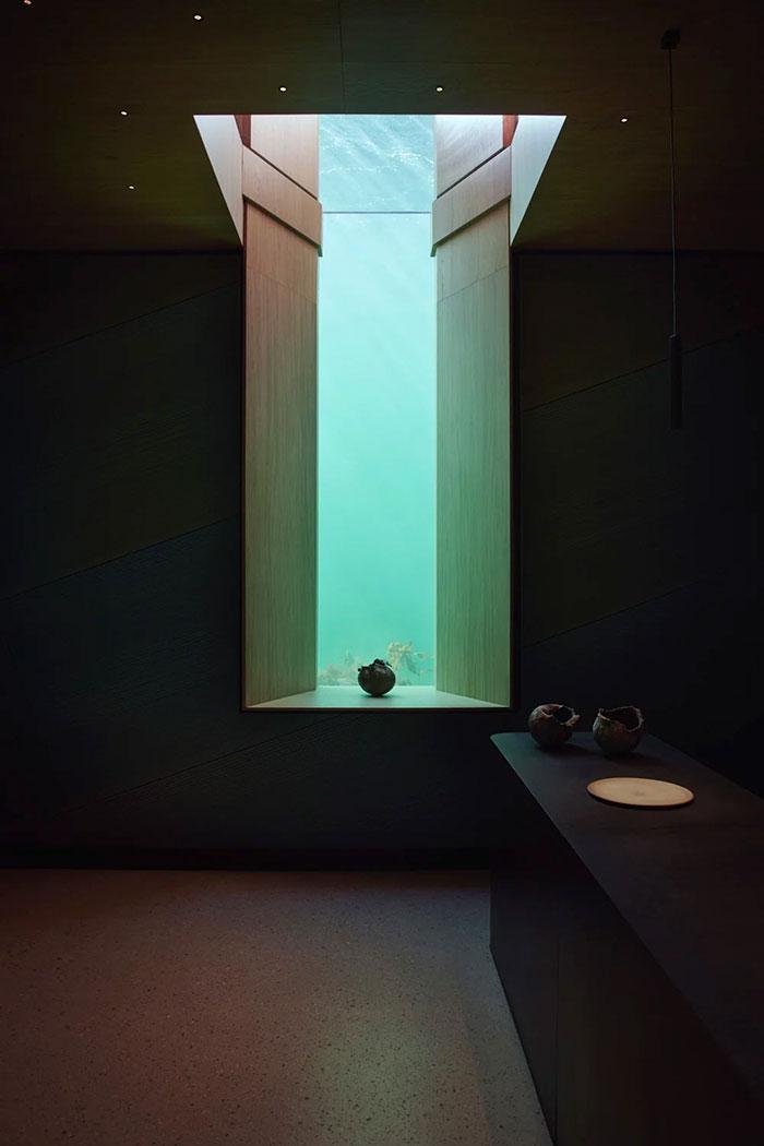 reštaurácia pod vodou